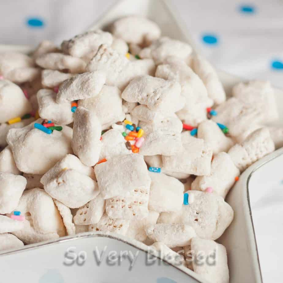 Cake Batter Puppy Chow Recipe : So Very Blessed