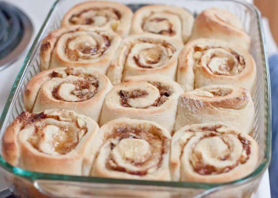 Apple Walnut Cinnamon Rolls Recipe : So Very Blessed