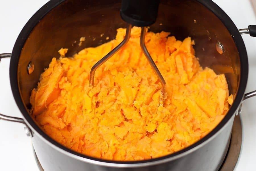 Mashed Sweet Potatoes Recipe : So Very Blessed - The ultimate holiday comfort food - sweet and creamy mashed sweet potatoes with maple syrup, cinnamon, and a hint of nutmeg. The perfect healthy Thanksgiving side dish! #sidedish #healthy
