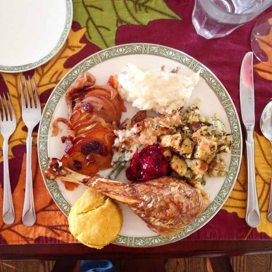 Have A Guilt-Free Thanksgiving : So Very Blessed – Thanksgiving doesn't have to be a stuffy day full of shame and an uncomfortably stuffed stomach. Use these 9 tips to enjoy your holiday dinner without the side of guilt!
